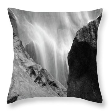 Skn 4285 Motion And Still Throw Pillow