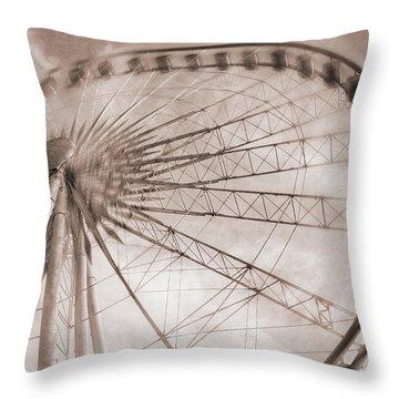 Skywheel In Niagara Falls Throw Pillow