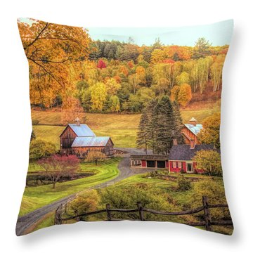 Sleepy Hollow - Pomfret Vermont In Autumn Throw Pillow