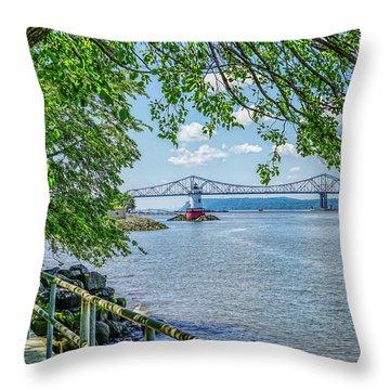 Sleepy Hollow/tarrytown Lighthouse Throw Pillow