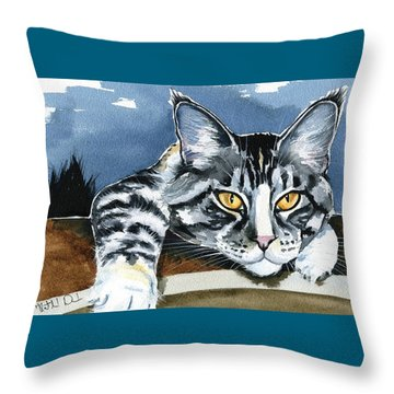 Smilla - Maine Coon Cat Painting Throw Pillow