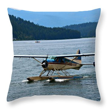 Smooth Landing On Lake Coeur D'alene Throw Pillow by Jo Sheehan