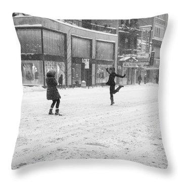 Snow Dance - Le - 10 X 16 Throw Pillow