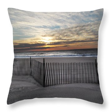 Snow Fence At Coopers Beach Throw Pillow
