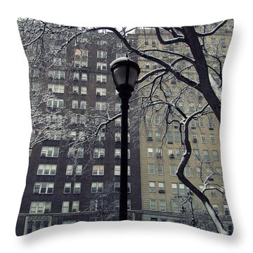 Snowy Day In New York Throw Pillow