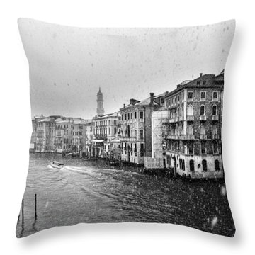 Snowy Day In Venice Throw Pillow