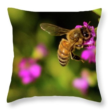 So Many Flowers... Throw Pillow