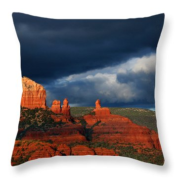Throw Pillow featuring the photograph Soldiers' Pass by Tom Kelly