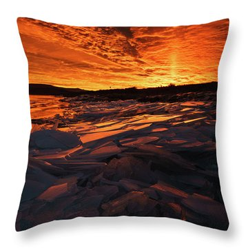 Song Of Ice And Fire Throw Pillow by Justin Johnson