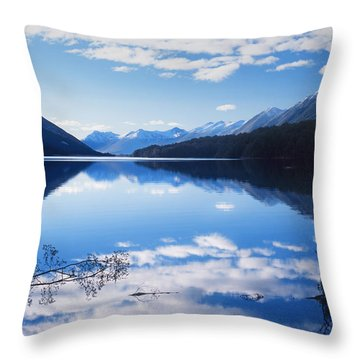 South Mavora Lake, New Zealand Throw Pillow