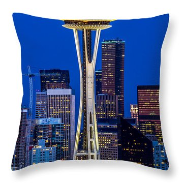 Space Needle And Skyline At Dusk B Throw Pillow