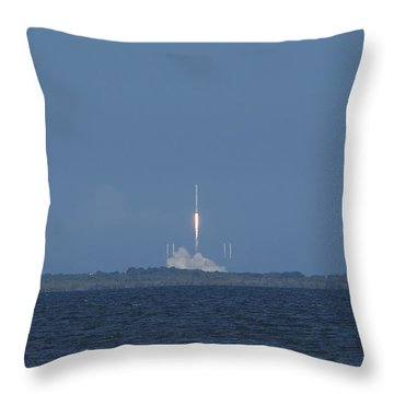 Spacex Crs6 Liftoff Throw Pillow