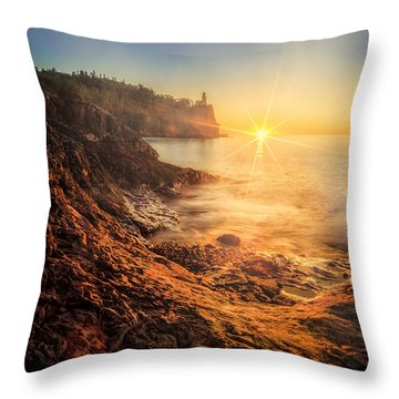 Split Rock Glory Throw Pillow
