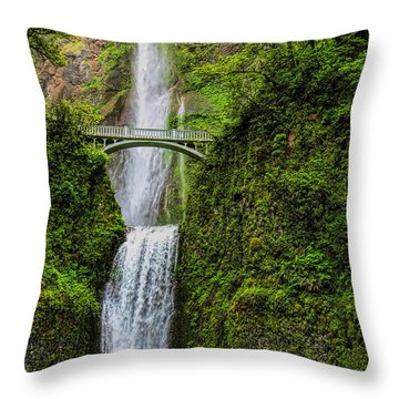 Spring At Multnomah Falls Throw Pillow