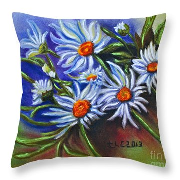 Spring Dasiy  Throw Pillow