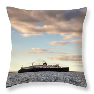 Throw Pillow featuring the photograph Ss Badger Leaving Port by Adam Romanowicz