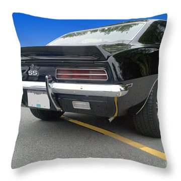 Ss Coupe Throw Pillow