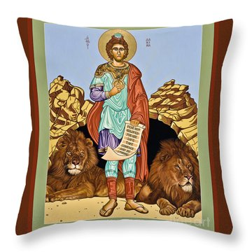 St. Daniel In The Lion's Den - Lwdld Throw Pillow