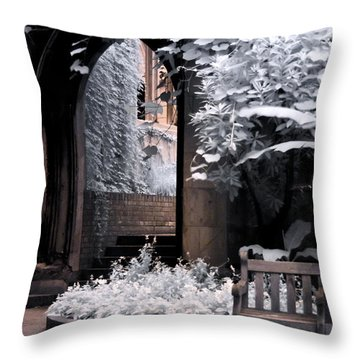 St Dunstan's In The East Throw Pillow