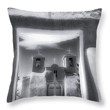 St. Francisco De Asis Throw Pillow