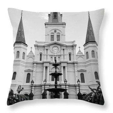 St Louis Cathedral And Fountain Jackson Square French Quarter New Orleans Black And White Throw Pillow