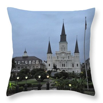 St. Louis Catherderal Throw Pillow