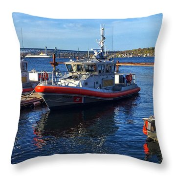Sta. Nl Throw Pillow