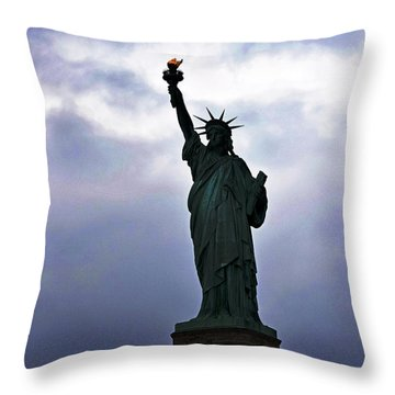 Statue Of Liberty May 2016 Throw Pillow