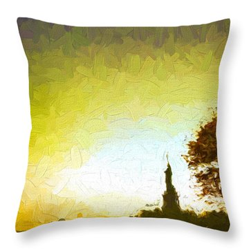 Statue Of Liberty - Nyc Throw Pillow by Matthew Ashton
