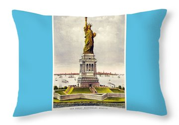 Statue Of Liberty Throw Pillow by Pg Reproductions