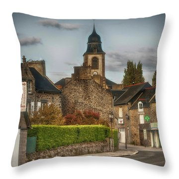 St.coulomb Throw Pillow