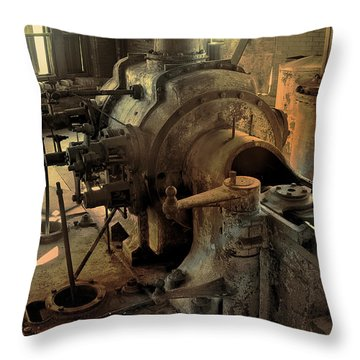 Steam Engine No 4 Throw Pillow