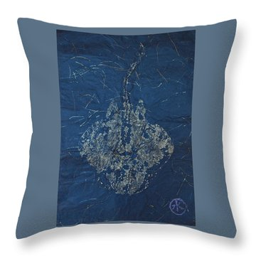 Stingray - Skate  Throw Pillow