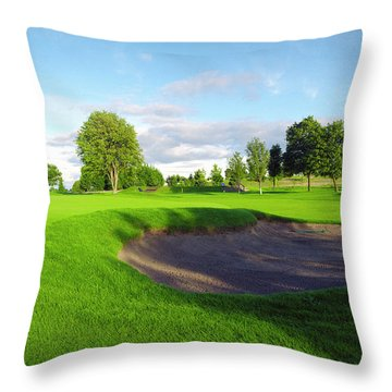 Stirling Golf Club 10th Throw Pillow