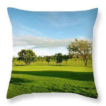Stirling Golf Club 14th Throw Pillow