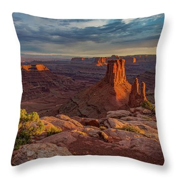 Stormy Sunset - Marlboro Point Throw Pillow