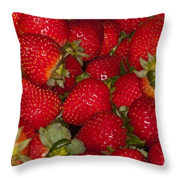 Strawberries 731 Throw Pillow
