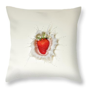 Strawberry Splash In Milk Throw Pillow