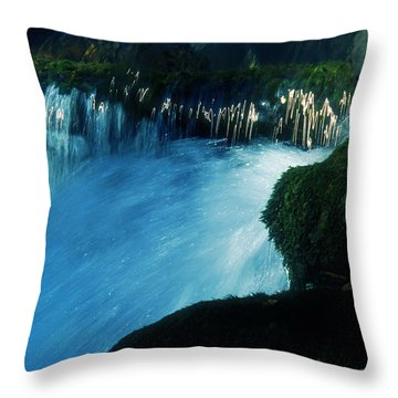 Stream 6 Throw Pillow