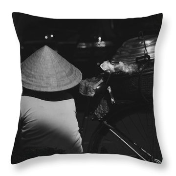 street life Sai Gon Throw Pillow