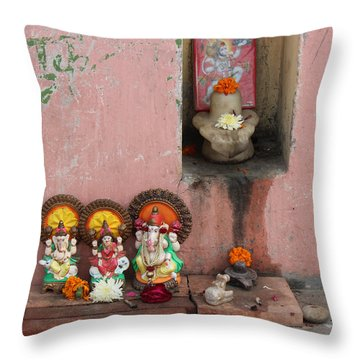 Street Temple, Haridwar Throw Pillow
