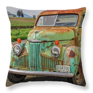 Studebaker '47 M-5 Coupe Express Throw Pillow