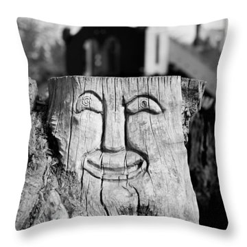 Stump Face 1 Throw Pillow