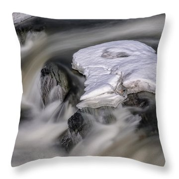 Throw Pillow featuring the photograph Sugar River Flowing by Tom Singleton