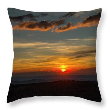 Sun Settling Into The Canyons Throw Pillow