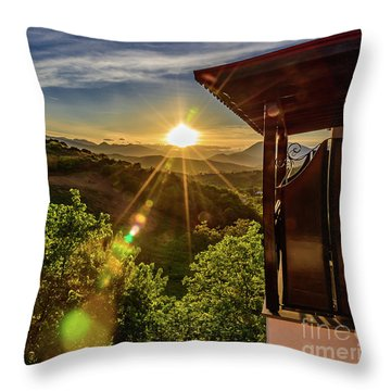Sunburst View From Dellas Boutique Hotel Near Meteora In Kastraki, Kalambaka, Greece Throw Pillow