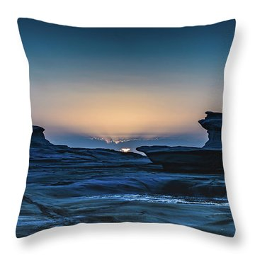 Sunrise And Rock Platform Landscape Throw Pillow