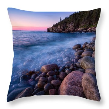 Sunrise At Boulder Beach Acadia Np Throw Pillow