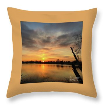 Sunrise At Jacobson Lake Throw Pillow