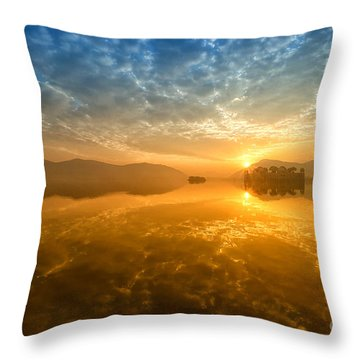 Sunrise At Jal Mahal Throw Pillow